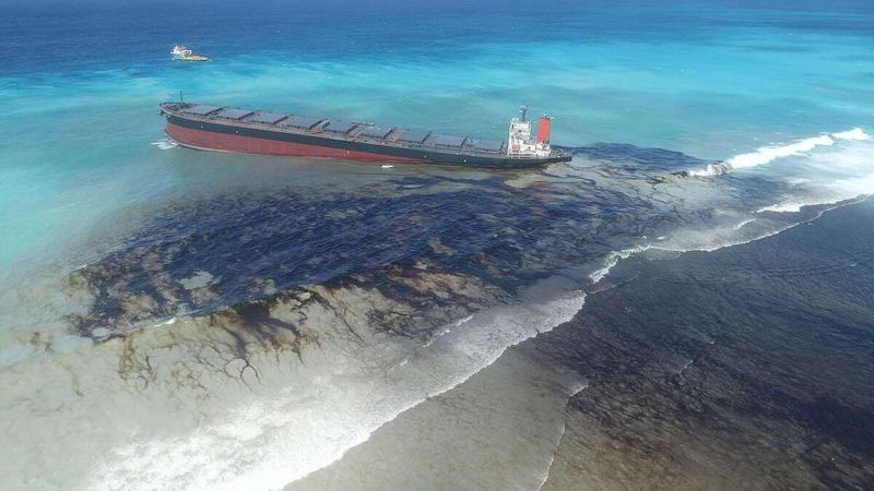 Water Pollution due to Oil leakage